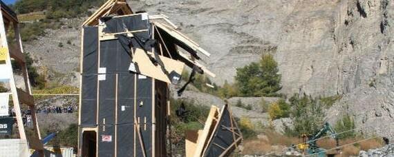 Holzbau im Erdbebentest