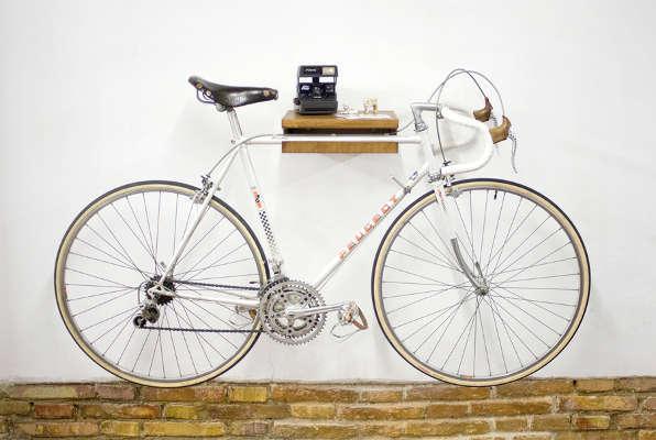 Fahrradhalterung Wand Holz praktisch und schön hölzerner fahrradhalter